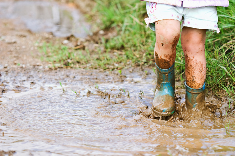 Nature Play in mud